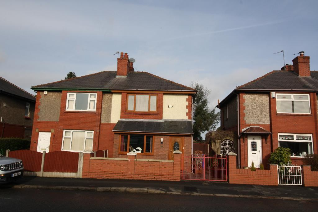 Dewsnap Lane, Dukinfield, Cheshire, SK16 5AW